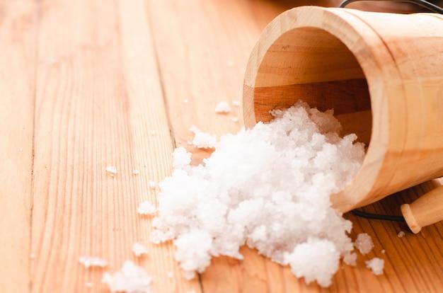 Salt drop from bucket