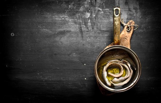 スパイスとハーブで塩漬けニシン