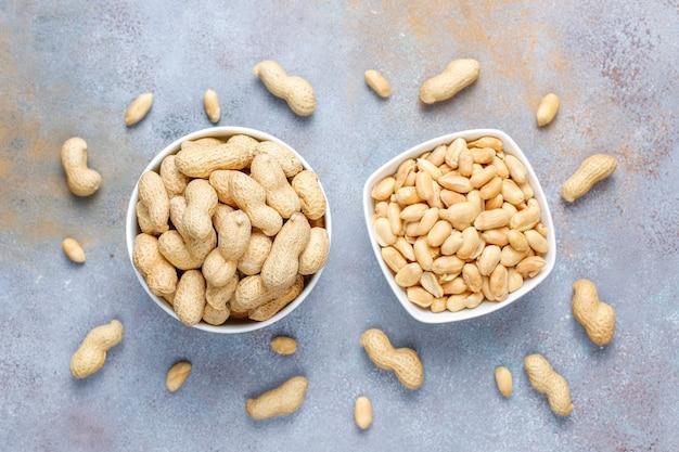 Salted roasted peanuts.