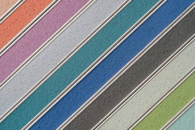 Образец многоцветной затирки крупным планом интерьерного декора строительства