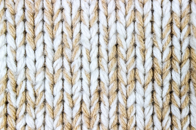 Образец вязаного узора из шерстяных ниток