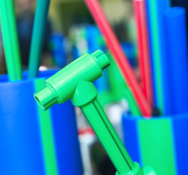 Образцы полимерных труб и фитингов
