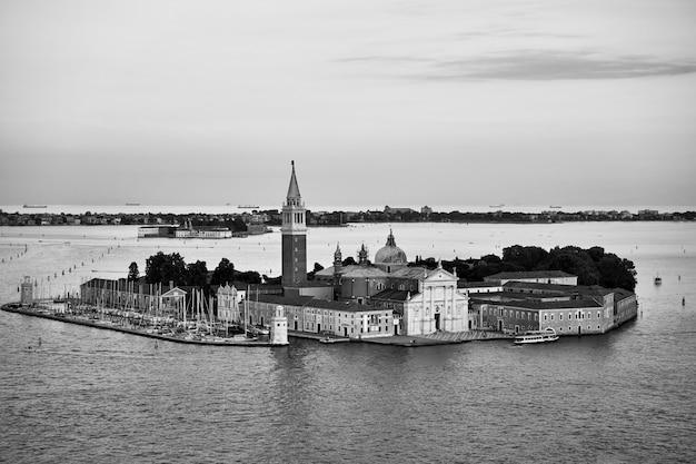이탈리아 베니스의 산 조르지오 마조레 섬. 흑백 사진, 베네치아 lanscape