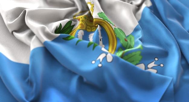 Bandiera di san marino increspato splendamente sventolando macro close-up shot
