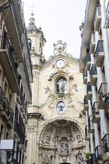 2019년 9월 스페인 산세바스티안: 아름다운 도시 산세바스티안과 콘차 해변을 따라 산책.