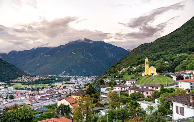 Bellinzona의 san sebastiano 교회-스위스 티치노 주