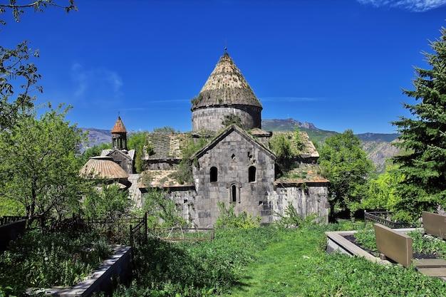 アルメニアのコーカサスの山にあるサナイン修道院