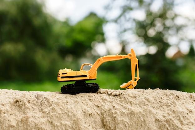 Sand excavator toy excavator