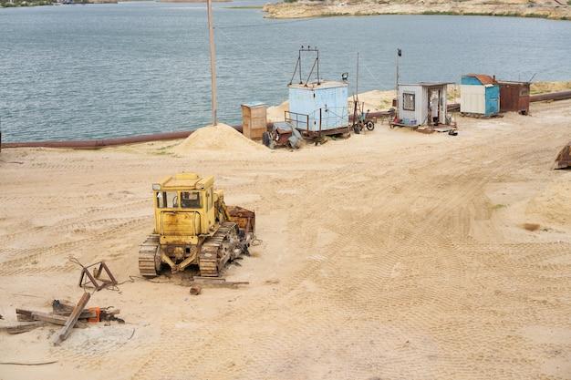 砂の採石場の鉱業