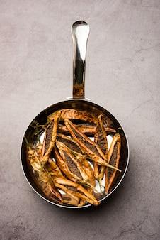 Sandgimirchiまたはdriedstuffed green chillies、人気のマハラシュトリアンのおかず