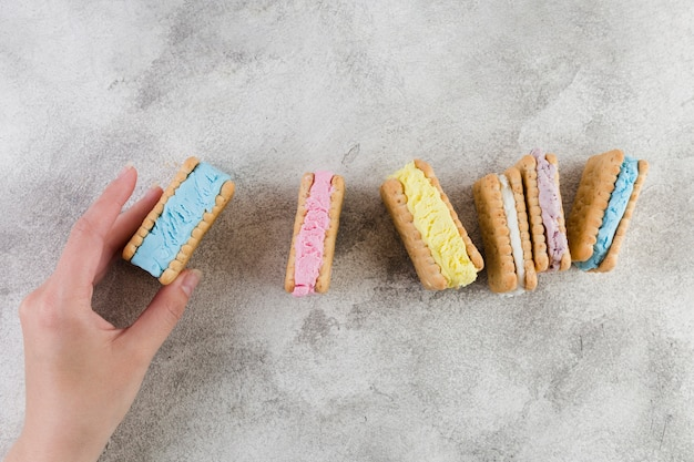Sandwich biscuits with ice cream filling