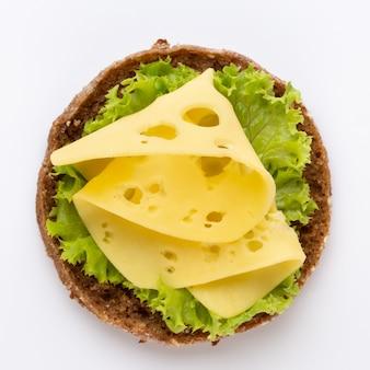チーズレタストマトのサンドイッチ