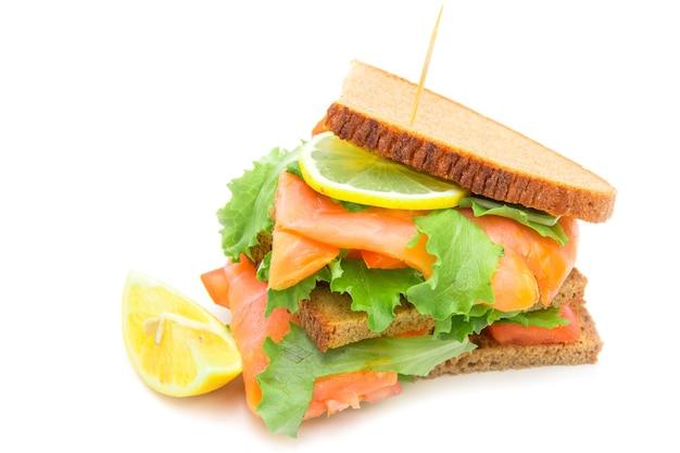 훈제 연어, 샐러드, 레몬 샌드위치