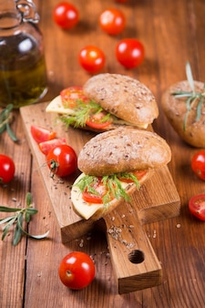 Sandwich with tomato