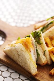 Бутерброды с картофелем фри