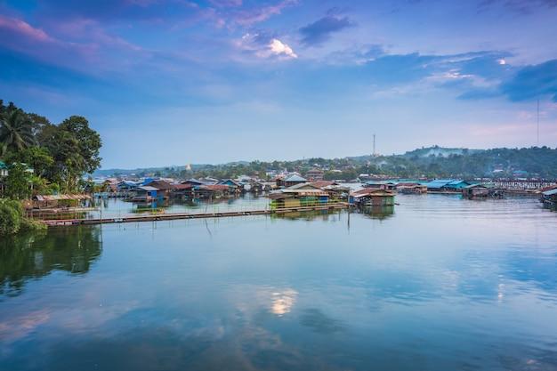 Сангхла бури, провинция канчанабури, таиланд.