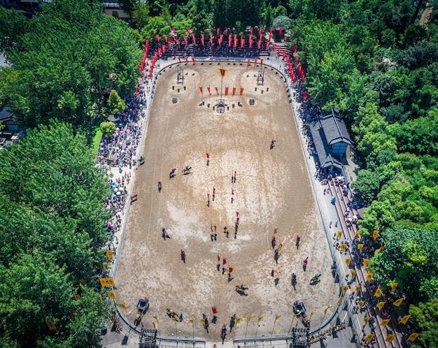 Sanguochengでの古代の戦場のパフォーマンス。無錫中国