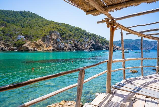 Sant joanのイビサ島のcala benirrasビーチ