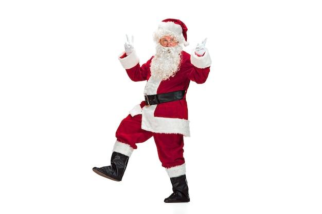흰색 절연 빨간색 의상에서 산타 클로스