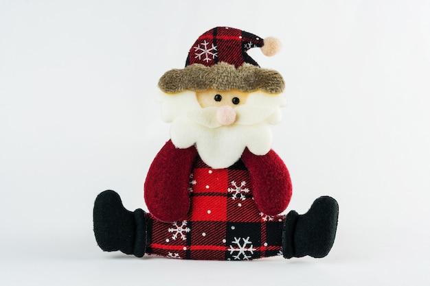 Санта-клаус, изолированные на белом фоне. рождественский орнамент. выборочный фокус.