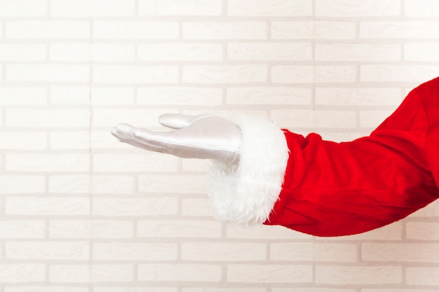 Santa claus presenting empty hand