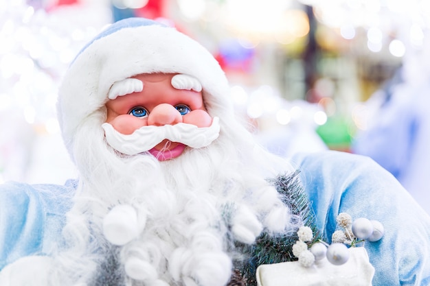 サンタクロースおもちゃ。新しい年の準備。クリスマスのおもちゃとプレゼント