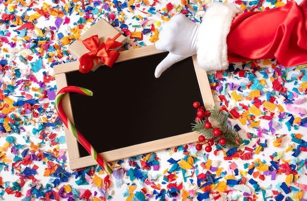 Санта-клаус со знаком неприязни