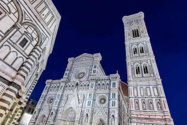 Церковь санта-мария-дель-фьоре во флоренции, италия