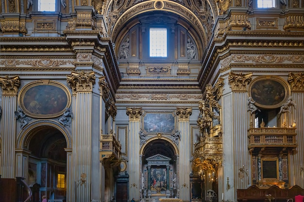 Санта-мария-ин-валличелла или кьеза нуова, церковь в риме, италия