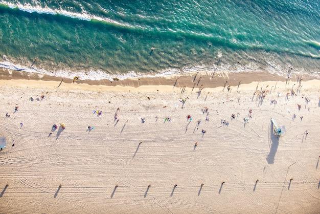 Пляж санта-моника, вид с вертолета