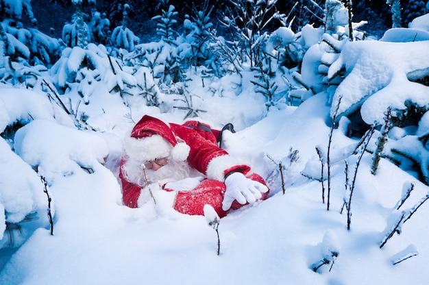 サンタはプレゼントを配達するのに苦労している