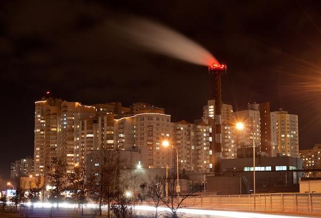 ウクライナ、キエフのsaperno-slobids'ka通り
