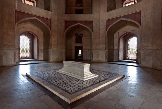 Sarcophagus. humayun's tomb, delhi, india