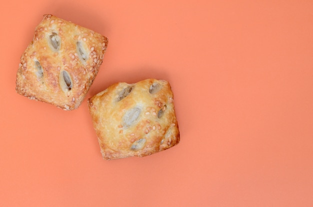 A satisfying meat patty, which combines an airy puff pastry and a delicate pork filling with onions.
