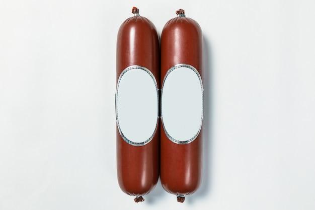 ソーセージ、白い背景の上のサラミ製品