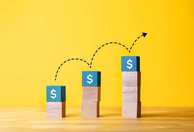 Концепции экономии денег или увеличения прибыли с помощью текста в блоге по дереву