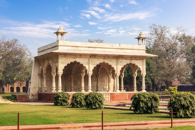 Sawan pavilion in the red fort of delhi park, india.