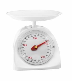 Весы, взвешивающие продукты, изолированные на белой поверхности