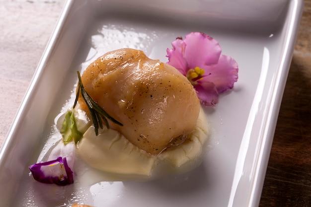 Морские гребешки с сицилийским лимоном