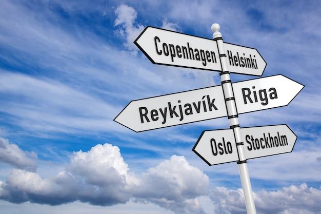 스칸디나비아 국가 수도-푸른 하늘 배경에 흰색 기호.