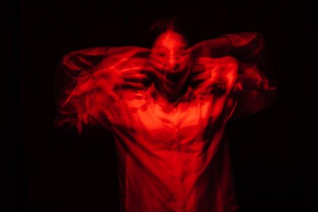 유령 소녀의 무서운 초상화