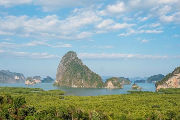 タイ南部のプーケット近くのサメットナンシーの風景パンガー湾の視点