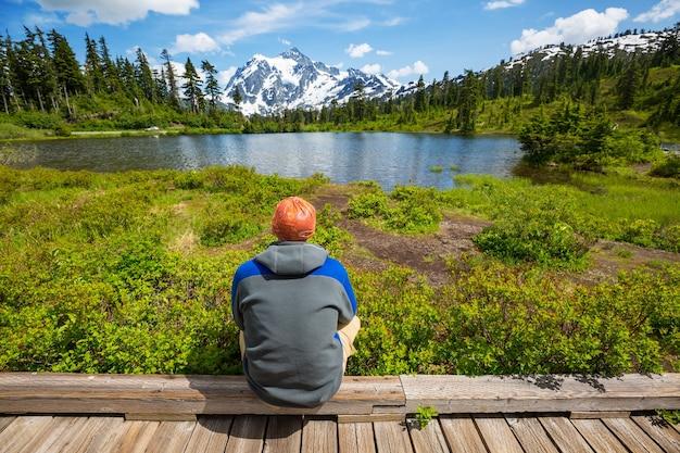 워싱턴, 미국에서 마운트 shuksan 반사와 경치 좋은 그림 호수