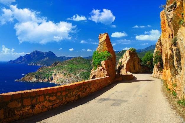 コルシカ島の風光明媚な道路