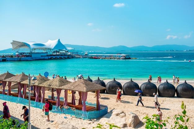 海南島、三亜市海塘湾の風光明媚な五十洲島。