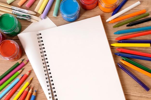 アート装備の学校図書