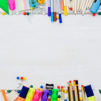 Школьное оформление с различными ручками и пространством