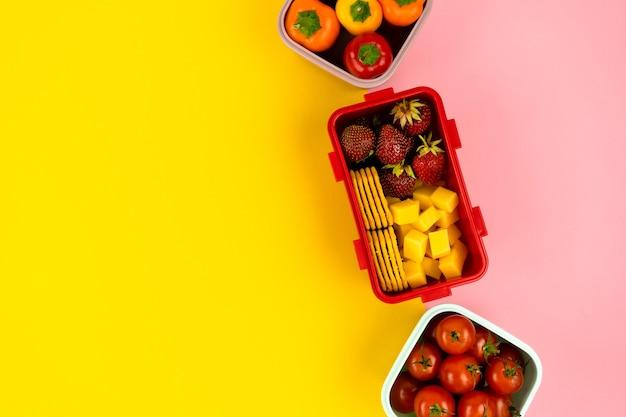 Школьные ланч-боксы для хранения продуктов и быстрого обеда с овощами и фруктами здоровое питание