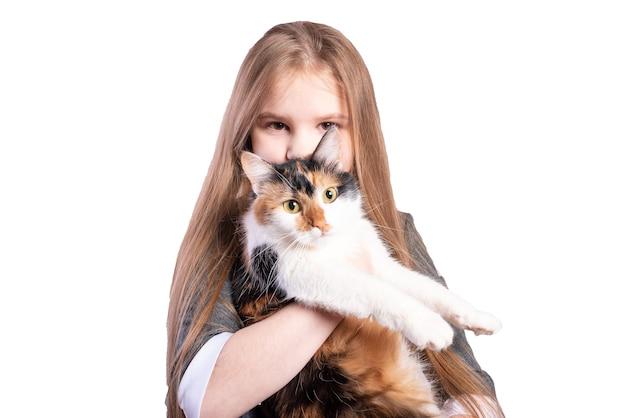 고양이와 여 학생입니다. 흰색 배경에 고립. 고품질 사진