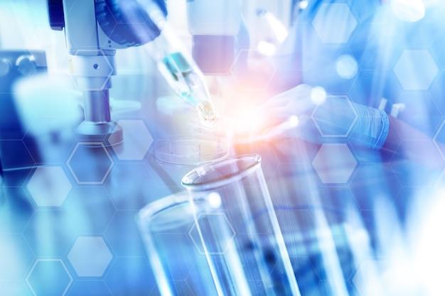 Научная лаборатория пробирки крупным планом